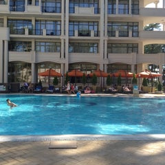 Photo taken at open air swimming pool @ Georgia Palace Hotel by Давид Х. on 8/21/2012