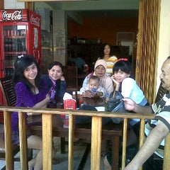 Photo taken at Hotel Rejeki by wahyu a. on 5/27/2012