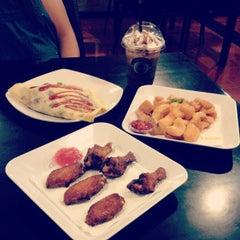 Photo taken at LeChef Cafe and Cofee Toffee by anggriyuni nur santi on 4/14/2012