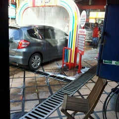 Photo taken at in N out Drive Thru Car Wash by HD Z. on 5/5/2012