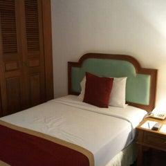 Photo taken at Felix River Kwai Resort (โรงแรมเฟลิกซ์ ริเวอร์แคว รีสอร์ท) by Karnistha T. on 2/18/2012