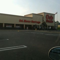 Photo taken at Cub Foods by Arianna H. on 5/19/2012
