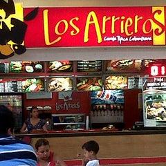 Photo taken at LOS ARRIEROS (Comida Típica Colombiana) by Wilmar F. on 4/22/2012