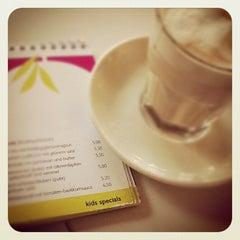 Das Foto wurde bei Dschungel Café von AlenaZ am 2/14/2012 aufgenommen