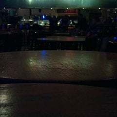 Photo taken at Ernie Biggs Dueling Piano Bar by Jason T. on 12/2/2011
