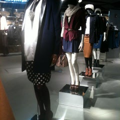Photo taken at Topshop by Diana M. on 11/19/2011