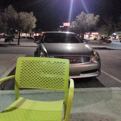 Photo taken at Tutti Frutti Frozen Yogurt by Joy Q. on 8/23/2012