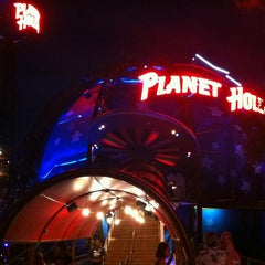 Photo taken at Planet Hollywood by Johnny 🚀 R. on 5/24/2012