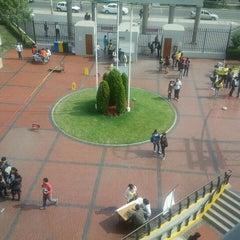 Photo taken at Facultad de Derecho - Universidad de San Martín de Porres by Jose B. on 5/23/2011