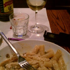 Photo taken at Romano's Macaroni Grill by Victor K. on 10/18/2011