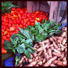 Photo taken at Dupont Circle FRESHFARM Market by Josh M. on 7/22/2012