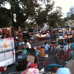 Photo taken at Bangsaen Walking Street (ถนนคนเดินบางแสน) by 1show on 2/4/2011