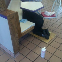 Photo taken at Taco Bell by Ryan M. on 11/21/2011
