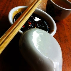 Photo taken at Restoran Hwa Mei 美华肉骨茶 by Y E 💋 N G •. on 11/22/2011