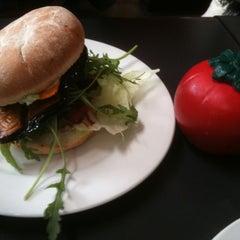 Photo taken at Burgerman by Kath H. on 1/25/2011