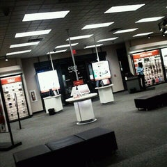 Photo taken at Verizon by Joshua N. on 10/26/2011