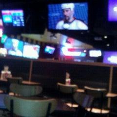 Photo taken at Buffalo Wild Wings by Loretta S. on 11/24/2011