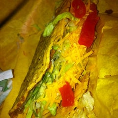 Photo taken at Del Taco by Tatiana R. on 8/21/2012