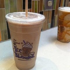 Photo taken at The Coffee Bean & Tea Leaf by Karen J. on 7/12/2012