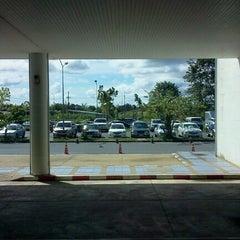 Photo taken at อาคารจอดรถสนามบิน by Kai S. on 9/11/2012