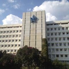 Photo taken at Tel Aviv University   אוניברסיטת תל-אביב by Steven S. on 3/29/2012