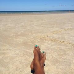 Photo taken at Sea Street Beach by Vansssa N. on 8/26/2012