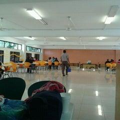 Photo taken at Jurisdiccion Inmobiliaria by Roman L. on 3/8/2012