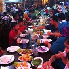 Photo taken at Restaurant Sayam by Fadzli M. on 8/4/2012