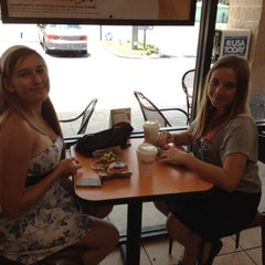 Photo taken at Dunkin' Donuts by Patty H. on 7/15/2012