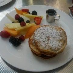 Das Foto wurde bei Café.Restaurant Halle von Fabian H. am 9/2/2012 aufgenommen