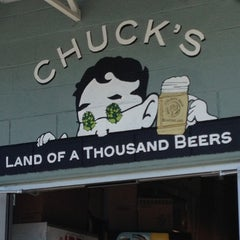 Photo taken at Chuck's Hop Shop by NorthSeattleSarah on 7/29/2012