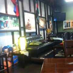 Photo taken at Undergrounds Coffee House by Leigh Ann S. on 8/22/2012