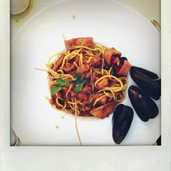 Photo taken at Santa Maria Restaurant by Carlo G. on 8/16/2012