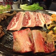 Photo taken at Honey Pig Gooldaegee Korean Grill by Yong K. on 3/24/2012