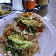 Photo taken at Taqueria El Rey Del Taco by Seoung on 1/21/2011