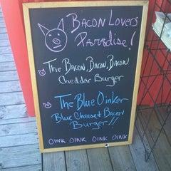 Photo taken at Little Bitty Burger Barn by Gabriel M. on 8/20/2012
