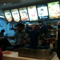 Photo taken at KFC Seri Iskandar by Liyana M. on 2/27/2012