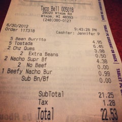 Photo taken at Taco Bell by Tina J. on 7/1/2012