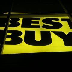 Photo taken at Best Buy by Justin G. on 11/8/2011