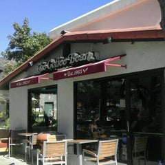 Photo taken at The Coffee Bean & Tea Leaf® by Scott S. on 10/13/2011