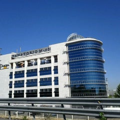 Photo taken at Tanatorio M40 - Parcesa by Pedro F. on 10/13/2011