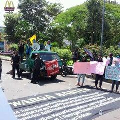 Photo taken at Setiabudi Supermarket by Didit P. on 2/15/2012