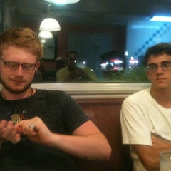 Photo taken at Mountain View Diner by Bassell F. on 8/24/2012