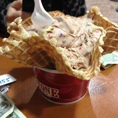 Photo taken at Cold Stone Creamery by Alexa V. on 4/11/2012
