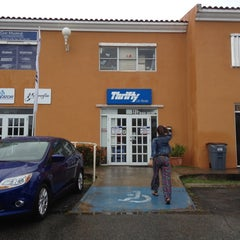 Photo taken at Thrifty Car Rental by Beatriz on 4/22/2012