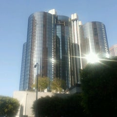 Photo taken at The Westin Bonaventure Hotel & Suites, Los Angeles by Mia S. on 7/30/2012