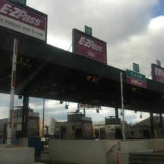 Photo taken at E-ZPass Stop-in Center - Fort McHenry Tunnel by Evonne S. on 2/25/2012