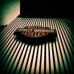Photo taken at Mabua Harley-Davidson by Bima A. on 1/13/2012