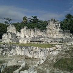 Photo taken at Zona Arqueológica El Rey by Alexei B. on 2/10/2012