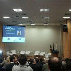 Photo taken at Prédio 32 by Gabriel B. on 6/14/2012